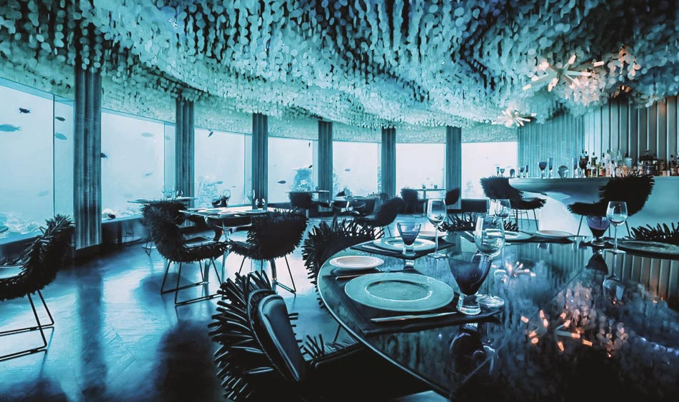 SENSTIONAL UNDERWATER DINING