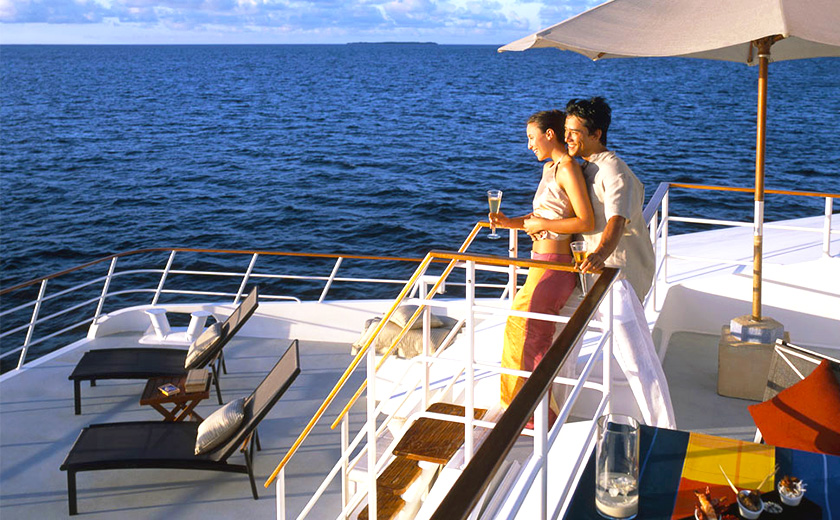 A Luxury Yacht experience for the two of You - Four Seasons Explorer
