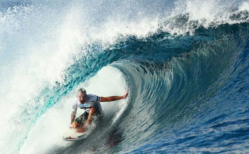 Maldives Surf season