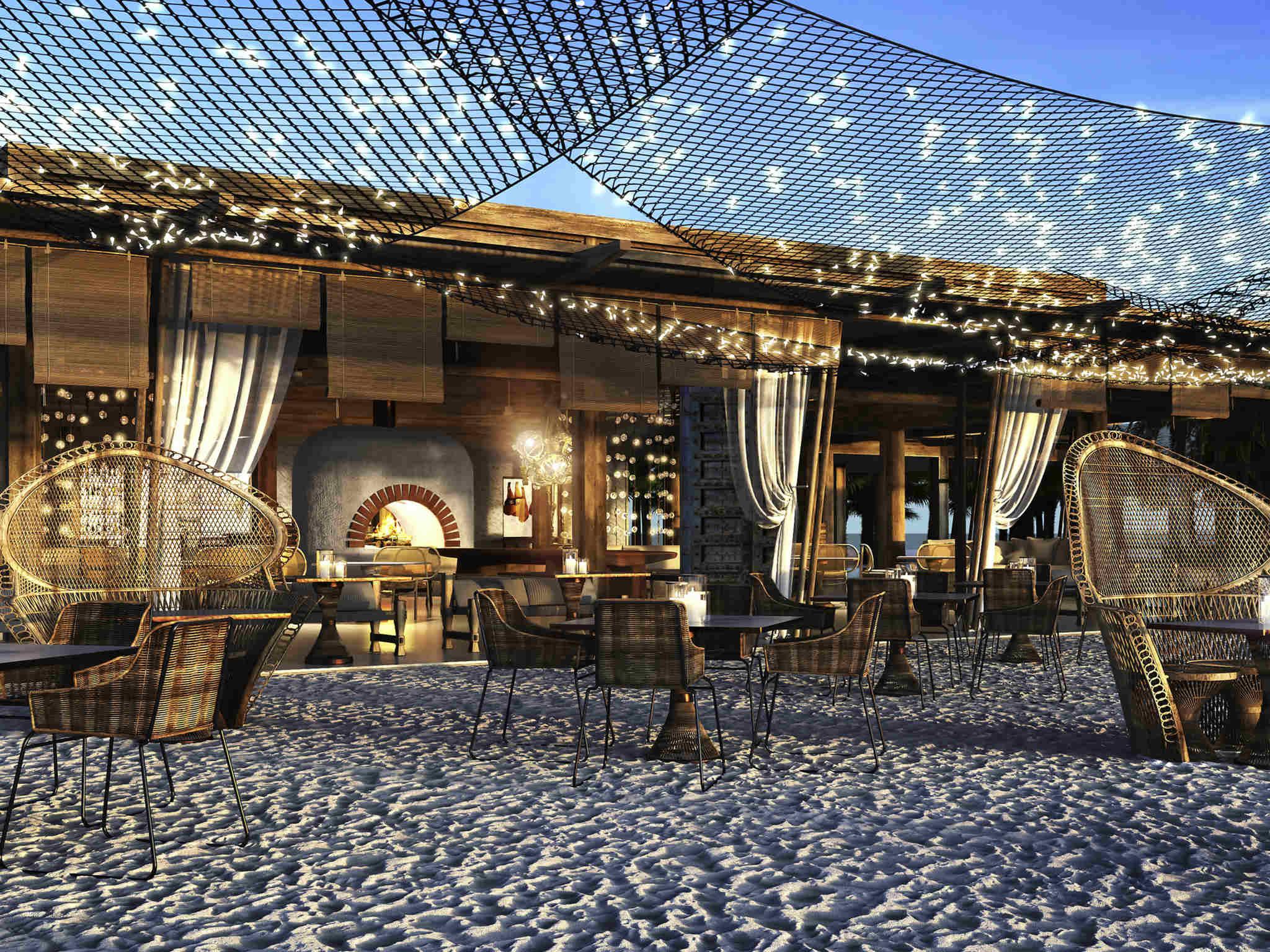 Fairmont Maldives Sirru Fen Fushi Dining