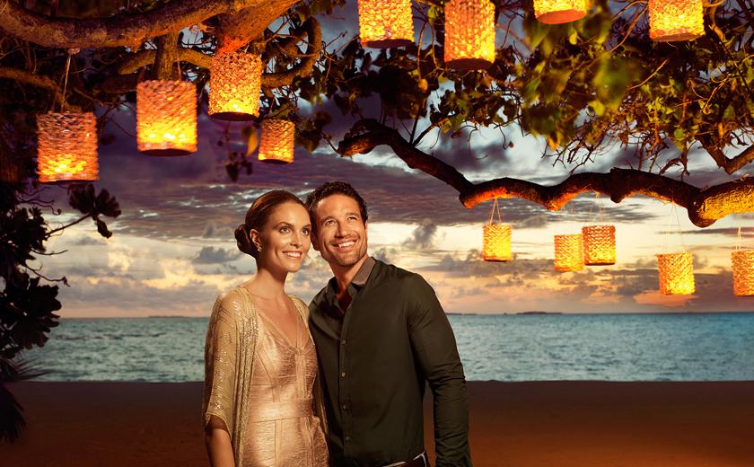 Honeymoon photography at Taj