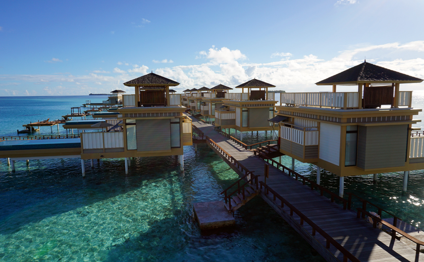 Spectacular Two-storey Affairs - Water Villas Angsana Velavaru