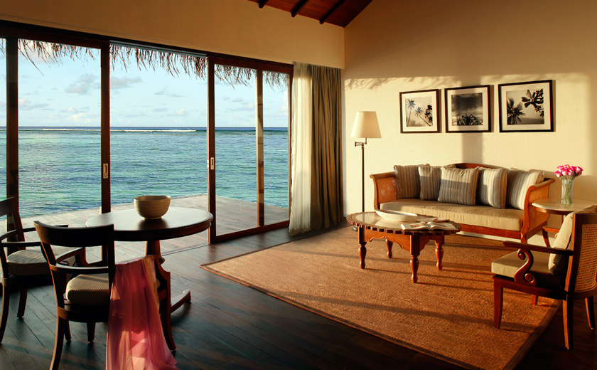 The Residence Maldives - Water villa living room