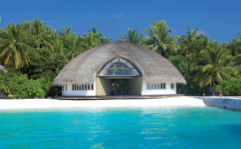 Discover the Maldives with Angsana Velavaru